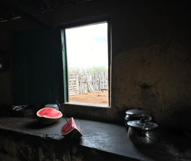 A beleza mora na simplicidade das coisas.Cozinha da Fazenda Cabeça de Touro, de 1945.Localizada no município de Floresta. Sertão de Pernambuco.