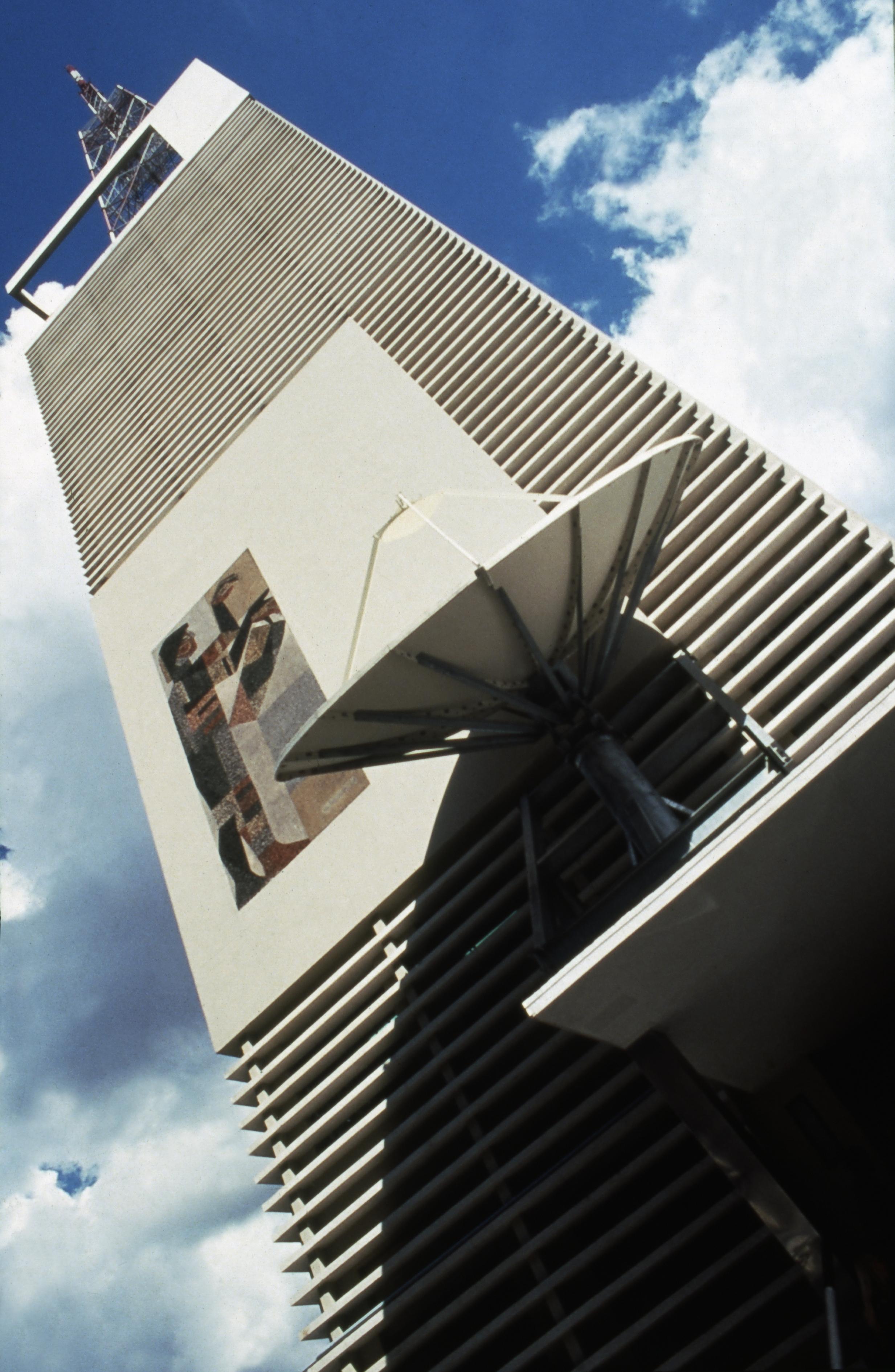 Fachada do edifício da TVA e da MTV, na Av. Dr. Arnaldo.