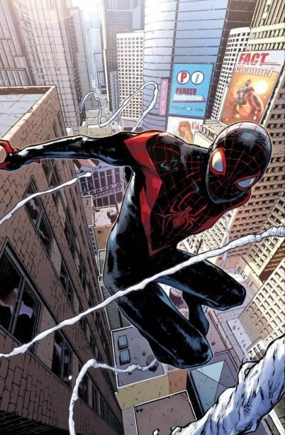 """A versão de uma Terra alternativa do Homem-Aranha que hoje convive no mesmo universo de Peter Parker, Miles Morales é um garoto negro que herdou o manto de Homem-Aranha. Seu sucesso transpôs os quadrinhos, e Morales tornou-se o personagem principal da grandiosa animação """"Homem-Aranha: No Aranhaverso"""", que inclusive contou com um brasileiro em sua equipe de produção."""
