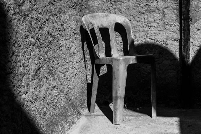 02—Cadeira,-para-mim.-Trono,-para-minha-mãe.
