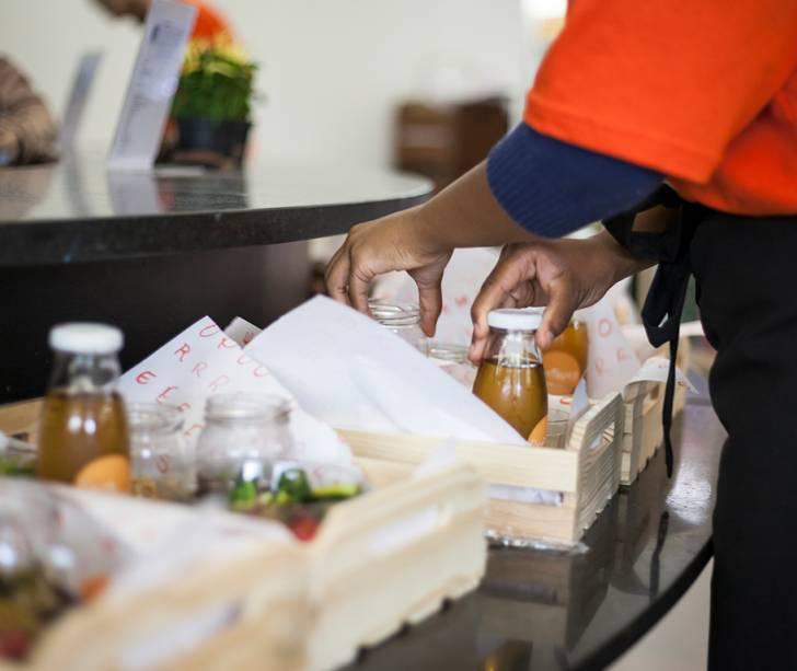 Durante a Bienal, Jorgge provocou o público servindo comida feita com alimentos próprios dos biomas brasileiros