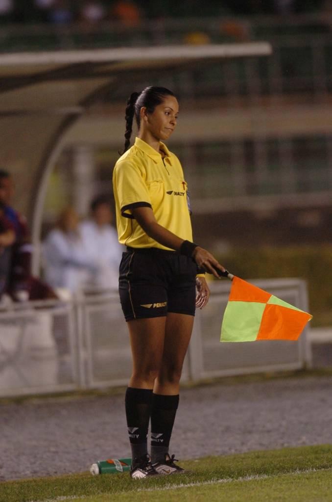Ana Paula Oliveira durante a partida Atlético Mineiro e Fluminense, válida pelo Campeonato Brasileiro de Futebol, no estádio Mineirão.