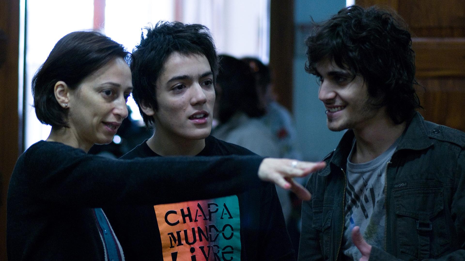 """Francisco Miguez e Fiuk durante gravação do filme """"As Melhores Coisas do Mundo""""."""