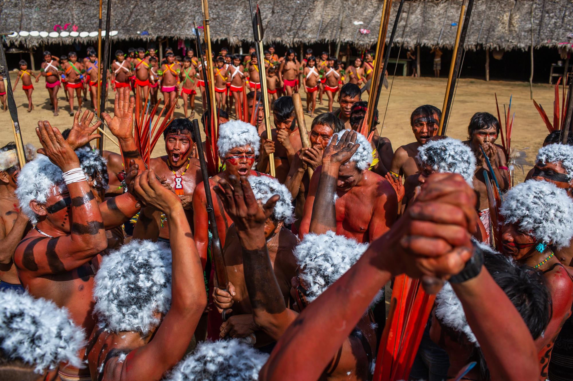 Os Yanomami no encontro de Lideranças Yanomami e Ye'kuana, onde os indígenas se manifestaram contra o garimpo em suas terras. O primeiro fórum de lideranças da TI Yanomami foi realizado entre 20 e 23 de novembro de 2019 na Comunidade Watoriki, região do Demini, Terra Indígena Yanomami