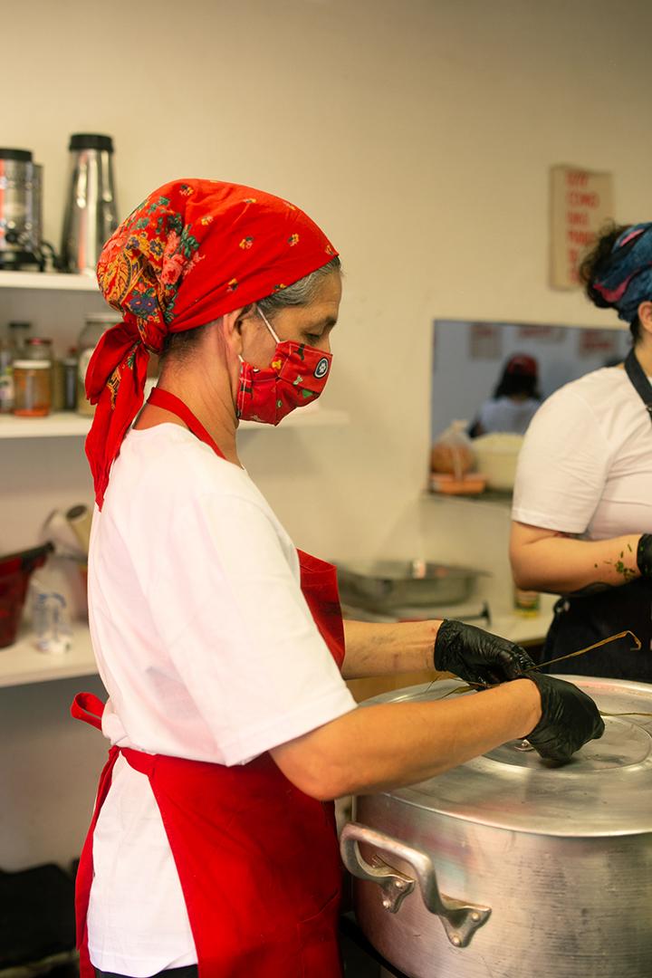 Neide Rigo foi uma das voluntárias na ação realizada na Cozinha Ocupação 9 de Julho